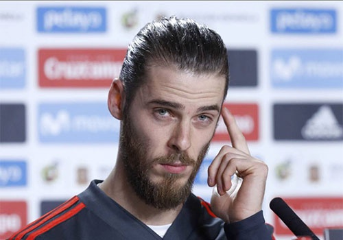 De Gea chiu ap luc lon khi doi dau Messi hinh anh