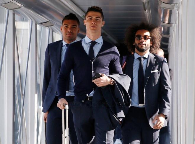 Ronaldo lich lam len duong da Champions League hinh anh 1