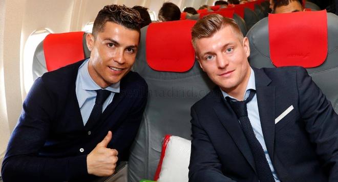 Ronaldo lich lam len duong da Champions League hinh anh 5