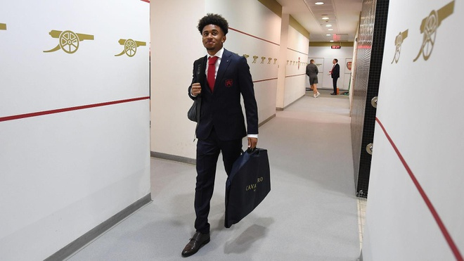 Arsenal 3-2 Southampton: 2 the do cuoi tran va man ruot duoi hap dan hinh anh 13