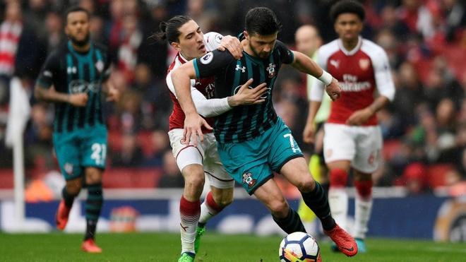 Arsenal 3-2 Southampton: 2 the do cuoi tran va man ruot duoi hap dan hinh anh 26