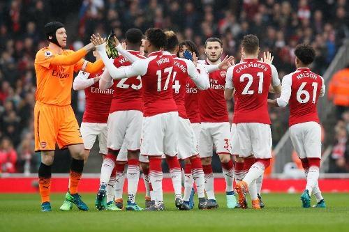 Arsenal 3-2 Southampton: 2 the do cuoi tran va man ruot duoi hap dan hinh anh 15