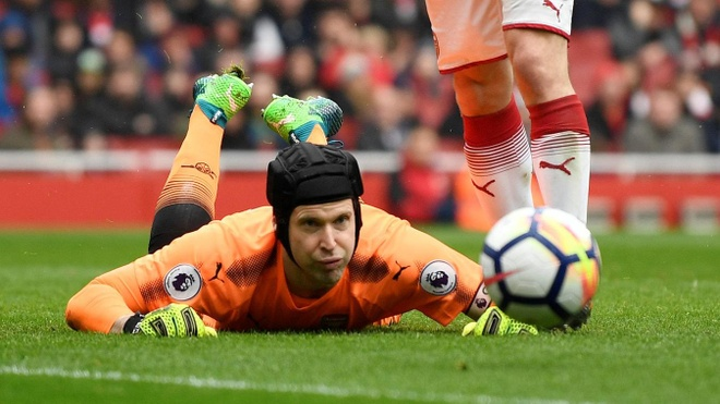 Arsenal 3-2 Southampton: 2 the do cuoi tran va man ruot duoi hap dan hinh anh 27