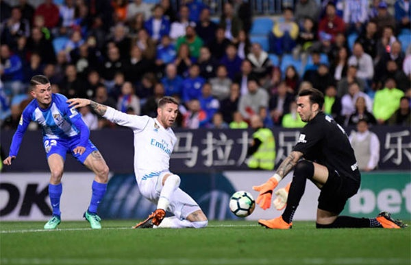 Isco toa sang, HLV Zidane co tran thang thu 100 cung Real hinh anh 2