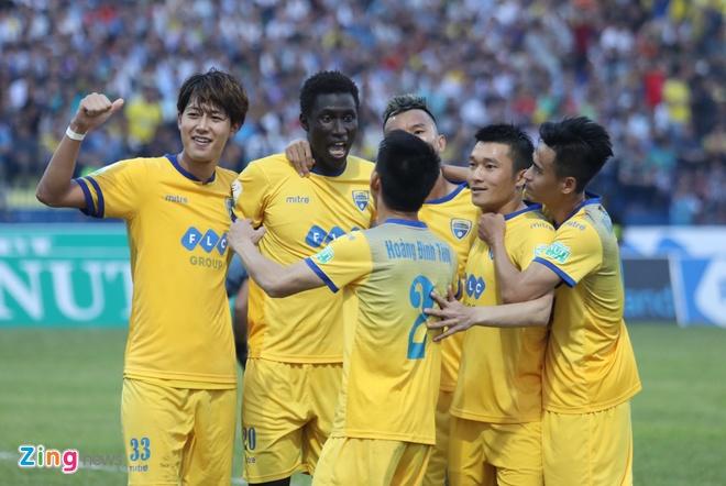 SLNA lien tiep nga vo kiem penalty, CLB Thanh Hoa hoa Can Tho 1-1 hinh anh 15