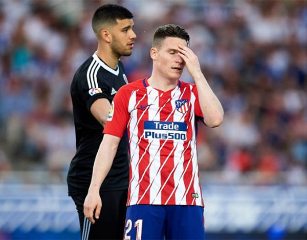 Atletico thua 0-3, Barca co the vo dich ngay vong dau toi hinh anh 1