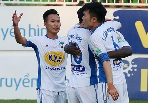 HAGL 2-0 CLB Da Nang: Xuan Truong va dong doi mo hoi o Pleiku hinh anh