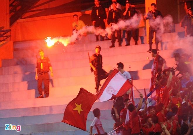 CLB Ha Noi 1-1 CLB Sai Gon: Tiep tuc bat bai hinh anh 11