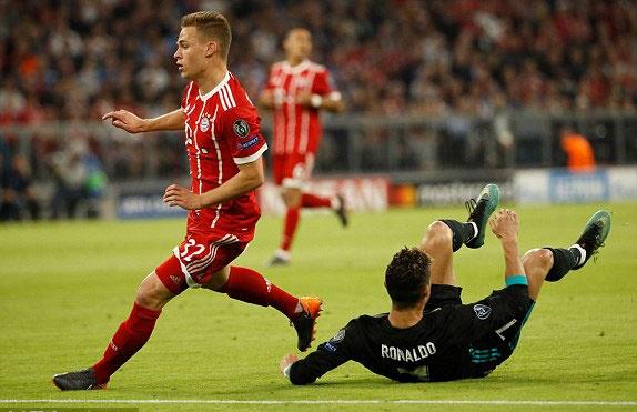 CDV lao vao san om Ronaldo sau tran thang nguoc cua Real hinh anh 3