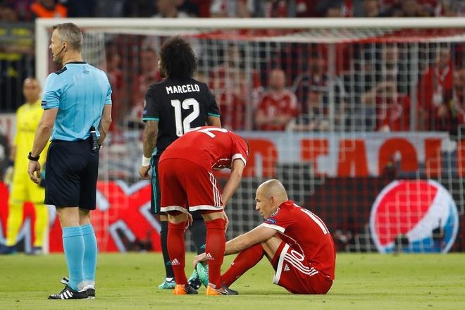 Bayern 1-2 Real: Thang nguoc nho sai lam cua doi thu hinh anh 26