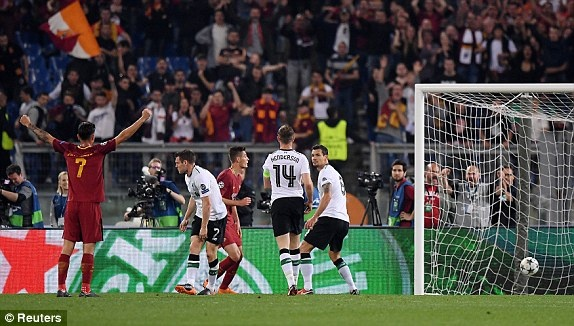 Vuot qua Roma 7-6, Liverpool vao chung ket gap Real hinh anh 18
