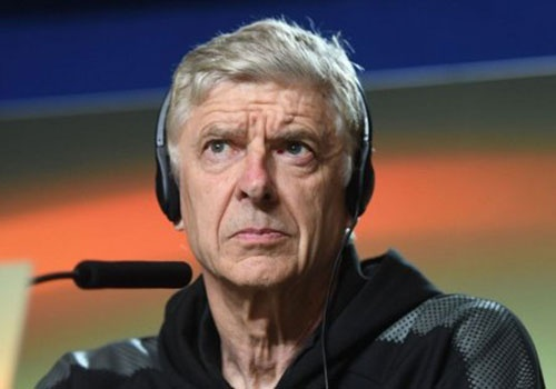 Arsene Wenger - ong gia toi nghiep o cup chau Au hinh anh