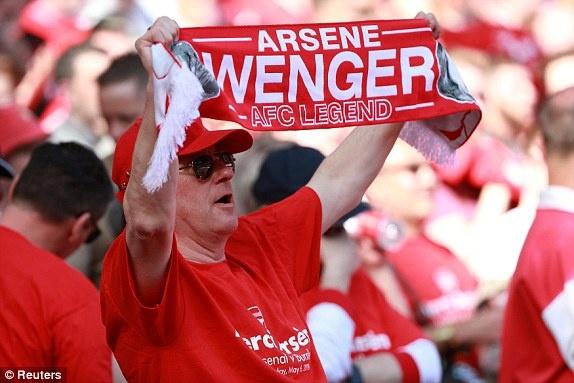 Arsenal 5-0 Burnley: Mua ban thang khi Wenger chia tay Emirates hinh anh 15