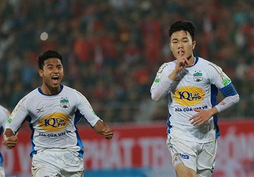 CLB Khanh Hoa 1-1 HAGL: Xuan Truong toa sang, ban 11 m gay tranh cai hinh anh
