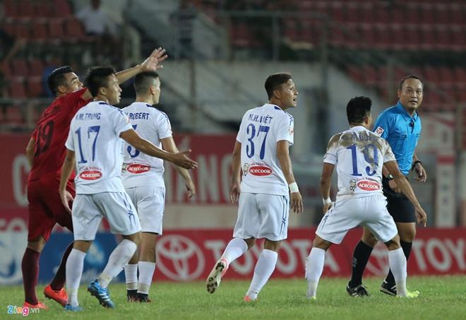 HAGL 2-2 CLB Ha Noi: Cong Phuong, Quang Hai ghi ban hinh anh 10