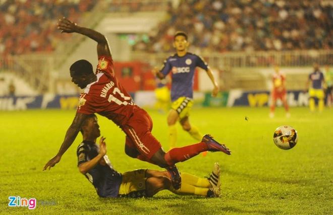 CLB Ha Noi 1-1 HAGL: Kich tinh va hap dan tren san Hang Day hinh anh 3