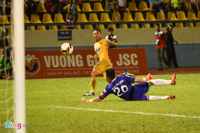 CDV Ha Noi an mung khi doi nha tiep tuc bat bai o V.League 2018 hinh anh 35