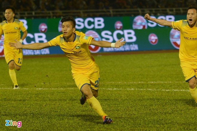 CDV Ha Noi an mung khi doi nha tiep tuc bat bai o V.League 2018 hinh anh 15