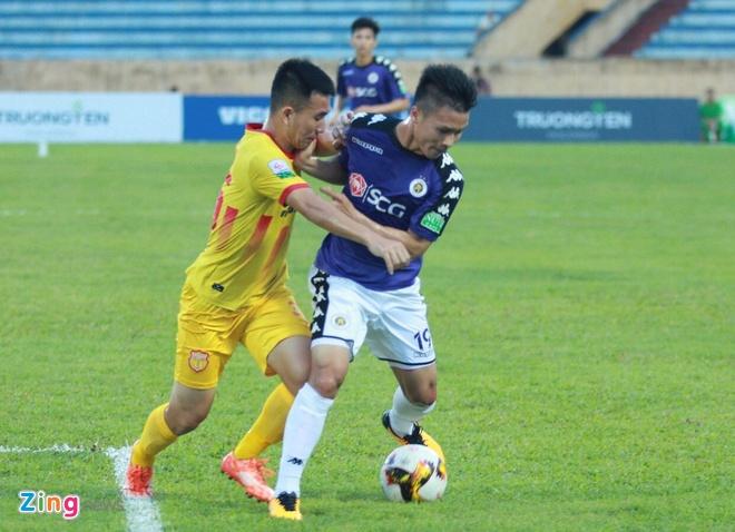 CDV Ha Noi an mung khi doi nha tiep tuc bat bai o V.League 2018 hinh anh 24
