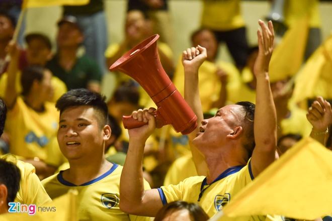 CDV Ha Noi an mung khi doi nha tiep tuc bat bai o V.League 2018 hinh anh 34
