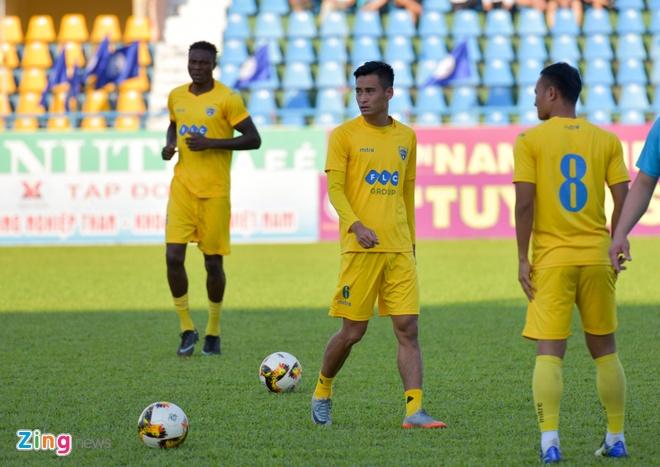 CDV Ha Noi an mung khi doi nha tiep tuc bat bai o V.League 2018 hinh anh 18