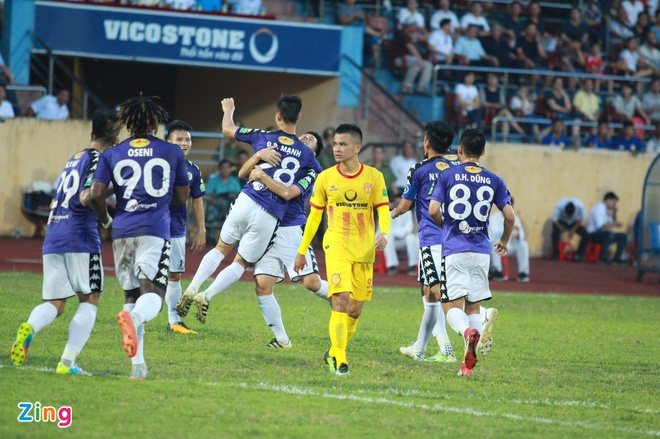 CDV Ha Noi an mung khi doi nha tiep tuc bat bai o V.League 2018 hinh anh 27