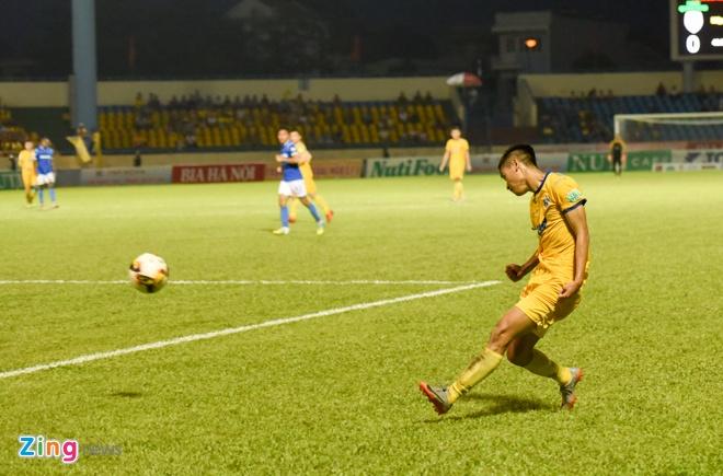 CDV Ha Noi an mung khi doi nha tiep tuc bat bai o V.League 2018 hinh anh 28