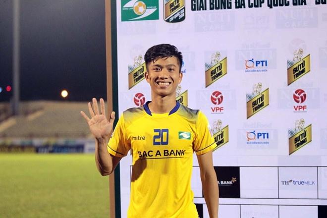 CDV Ha Noi an mung khi doi nha tiep tuc bat bai o V.League 2018 hinh anh 9
