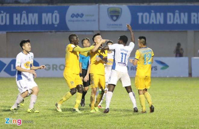 CLB Hai Phong vs CLB Quang Ninh anh 23