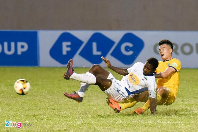 CLB Hai Phong vs CLB Quang Ninh anh 24