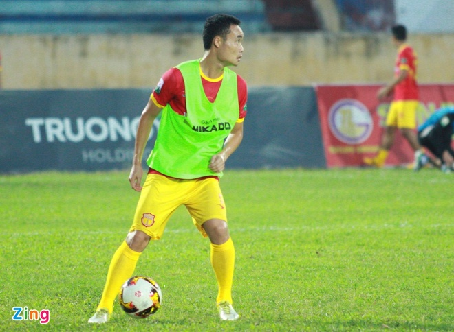 CLB Ha Noi 4-0 CLB Khanh Hoa: Quang Hai da phat dep mat hinh anh 16