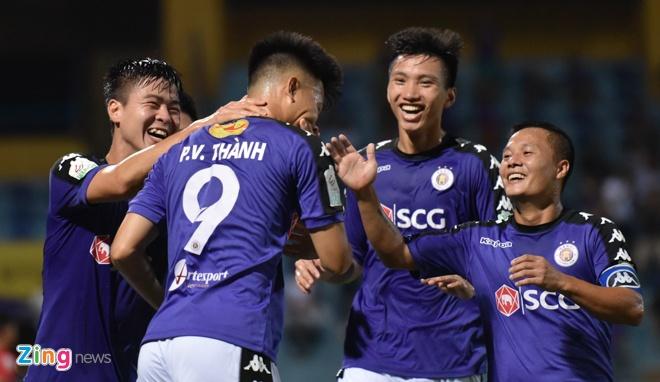CLB Ha Noi 4-0 CLB Khanh Hoa: Quang Hai da phat dep mat hinh anh 18