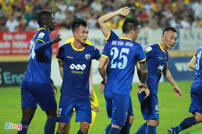 CLB Ha Noi 4-0 CLB Khanh Hoa: Quang Hai da phat dep mat hinh anh 21