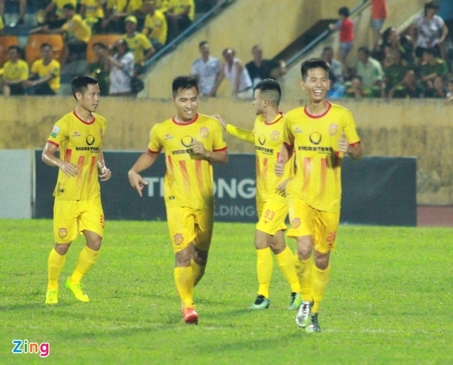 CLB Ha Noi 4-0 CLB Khanh Hoa: Quang Hai da phat dep mat hinh anh 25