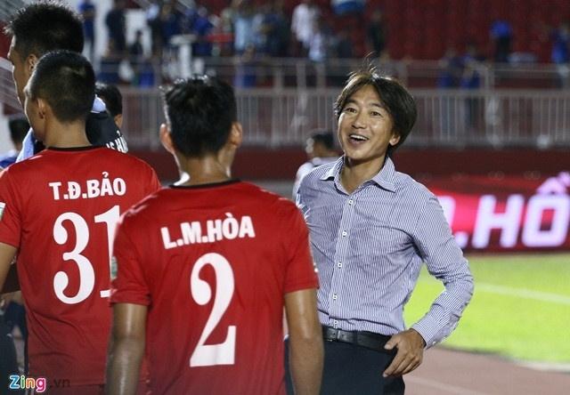 CLB Ha Noi 4-0 CLB Khanh Hoa: Quang Hai da phat dep mat hinh anh 4
