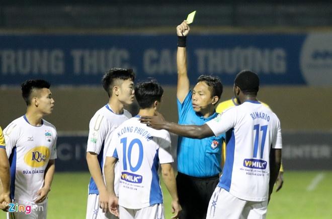 CLB Ha Noi 4-0 CLB Khanh Hoa: Quang Hai da phat dep mat hinh anh 5