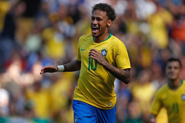 Neymar tro lai, DT Brazil van con nhieu noi lo hinh anh 1