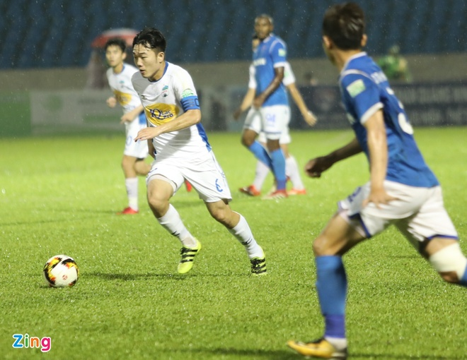 HAGL thua CLB Quang Ninh 0-3, CLB Ha Noi thang Quang Nam 1-0 hinh anh 16