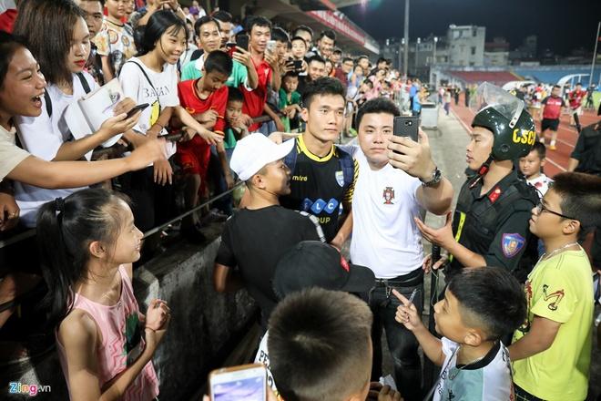 HAGL thua CLB Quang Ninh 0-3, CLB Ha Noi thang Quang Nam 1-0 hinh anh 6