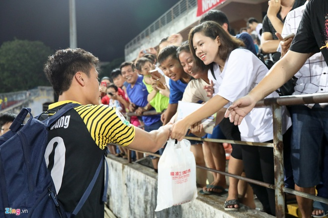 HAGL thua CLB Quang Ninh 0-3, CLB Ha Noi thang Quang Nam 1-0 hinh anh 7