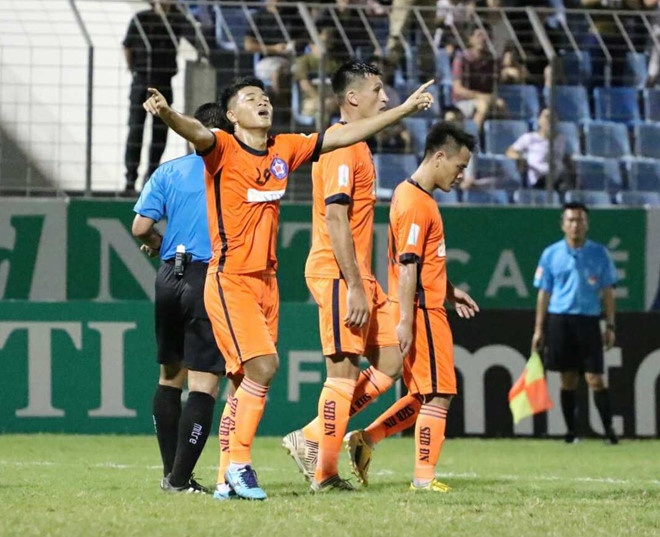 HAGL thua CLB Quang Ninh 0-3, CLB Ha Noi thang Quang Nam 1-0 hinh anh 10