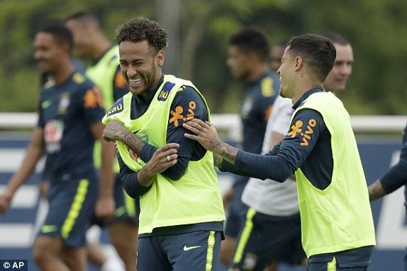 DT Ao 0-3 Brazil: Neymar 'xau kim' ghi ban dep mat hinh anh 13