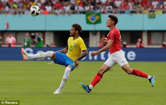 DT Ao 0-3 Brazil: Neymar 'xau kim' ghi ban dep mat hinh anh 19