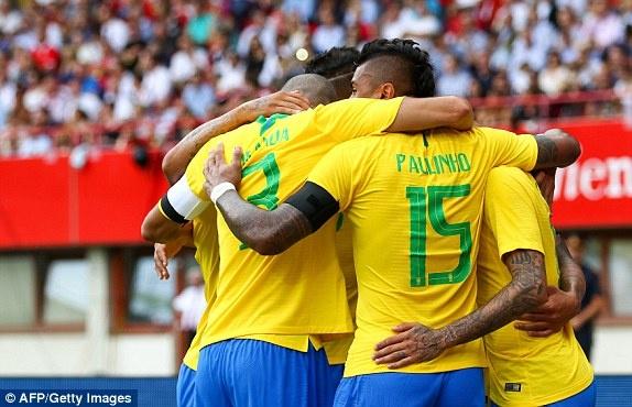 DT Ao 0-3 Brazil: Neymar 'xau kim' ghi ban dep mat hinh anh 25