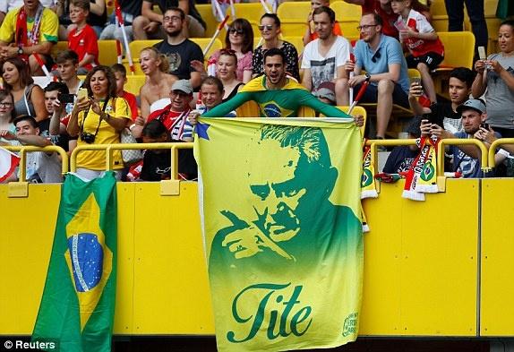 DT Ao 0-3 Brazil: Neymar 'xau kim' ghi ban dep mat hinh anh 16