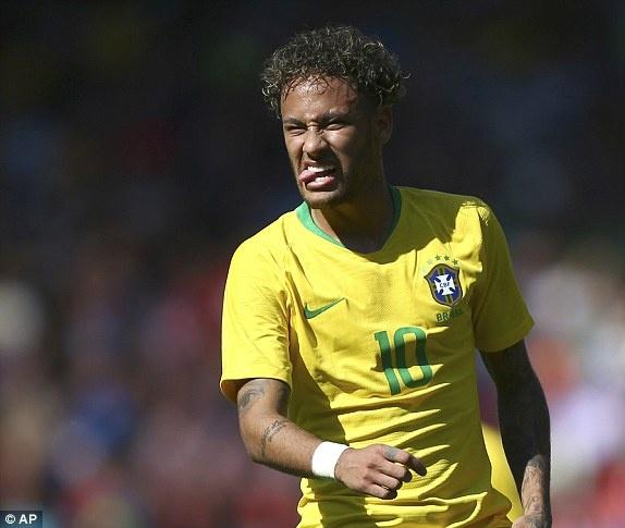 DT Ao 0-3 Brazil: Neymar 'xau kim' ghi ban dep mat hinh anh 17