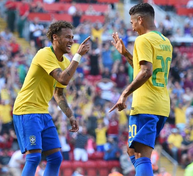 DT Ao 0-3 Brazil: Neymar 'xau kim' ghi ban dep mat hinh anh 11
