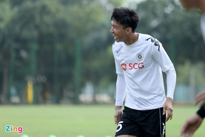 CLB Ha Noi thang doi Quang Ninh 4-1, HAGL thua nguoc CLB Quang Nam 2-3 hinh anh 8
