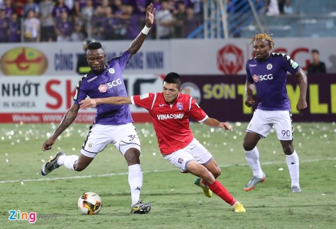 CLB Ha Noi thang doi Quang Ninh 4-1, HAGL thua nguoc CLB Quang Nam 2-3 hinh anh 24