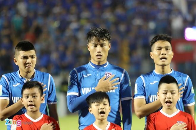 CLB Ha Noi thang doi Quang Ninh 4-1, HAGL thua nguoc CLB Quang Nam 2-3 hinh anh 9